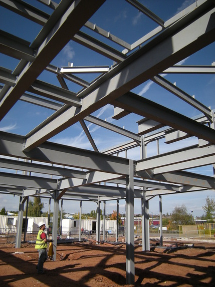 Steelwork Progresses at Kent PHK's new offices